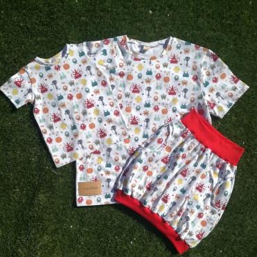 Camisetas y falda globo a juego